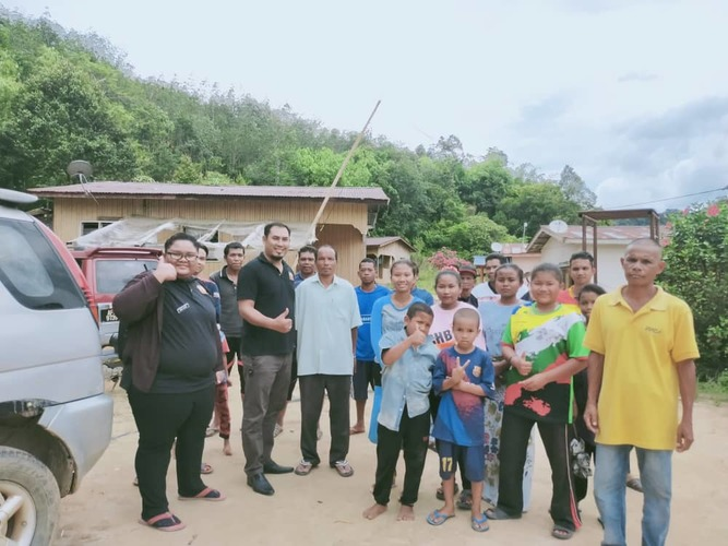 Header group picture with villagers in kg kerbok